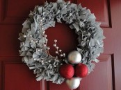 Cozy Red And Grey Christmas Decor Ideas