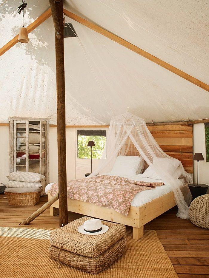 Industrial Living Room: 45 Cozy Rustic Bedroom Design Ideas