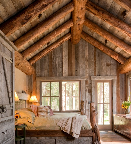 Mixing warm golden and cold weathered wood in one room could be rewarding.