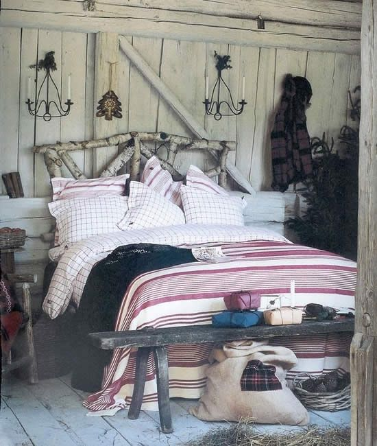 Awesome Cozy Rustic Bedroom Designs Simple things like tree trunks could bee a material for your DIY decor project For