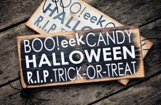 rustic wooden and plywood signs for Halloween are stylish and you can DIY them easily