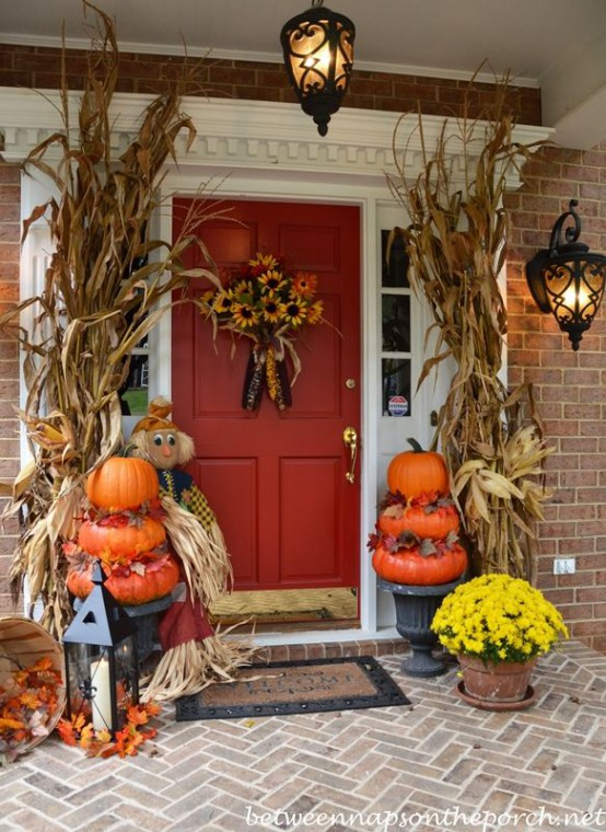 57 cozy thanksgiving porch d cor ideas digsdigs How to decorate your front porch for fall