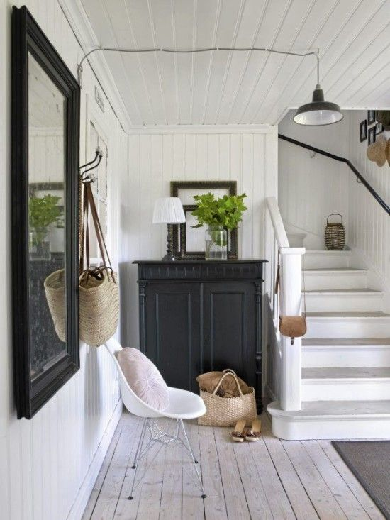 Wonderful Cozy Whitewashed Floors Decor Ideas