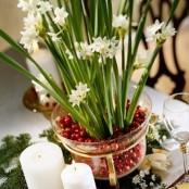 Cranberry Christmas Decor Ideas