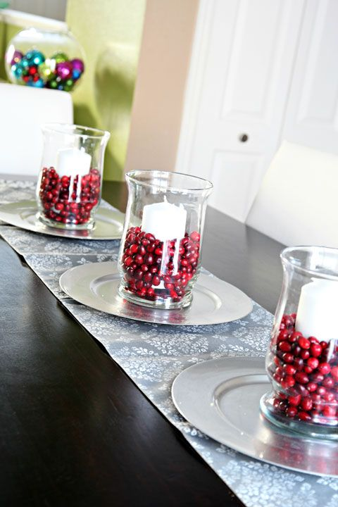 46 cranberry christmas d cor ideas digsdigs Christmas table dressing