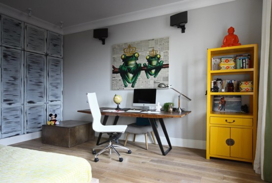 Crazy And Ironic Eclectic Moscow Apartment