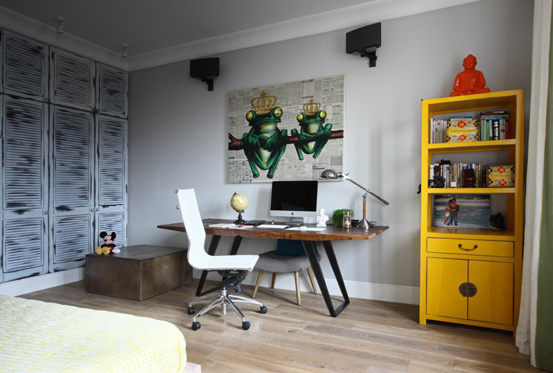 Picture Of crazy and ironic eclectic moscow apartment  10