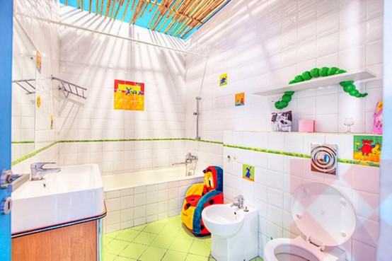 Crazy Colorful Interiors Of An Artist's House