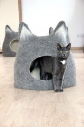a fun felt cat house or cat bed shaped as a cat head is a creative idea for your interior and it makes your furry friend happy