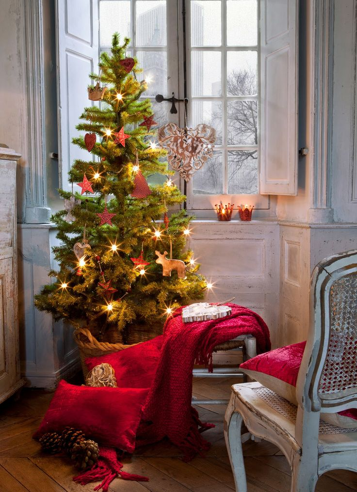 30 creative christmas d u00e9cor ideas for small spaces