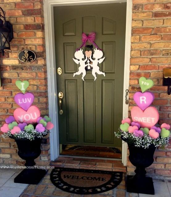 25 Creative Outdoor Valentine Décor Ideas