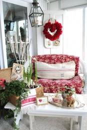 Creative Outdoor Valentine Decor Ideas