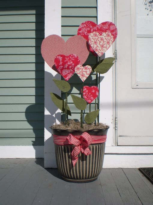 Creative Outdoor Valentine Decor Ideas - 25 Creative Outdoor Valentine Décor Ideas - DigsDigs