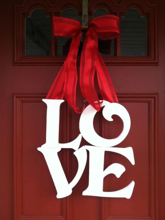 25 Creative Outdoor Valentine Décor Ideas - DigsDigs