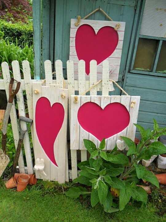25 Creative Outdoor Valentine Decor Ideas Digsdigs