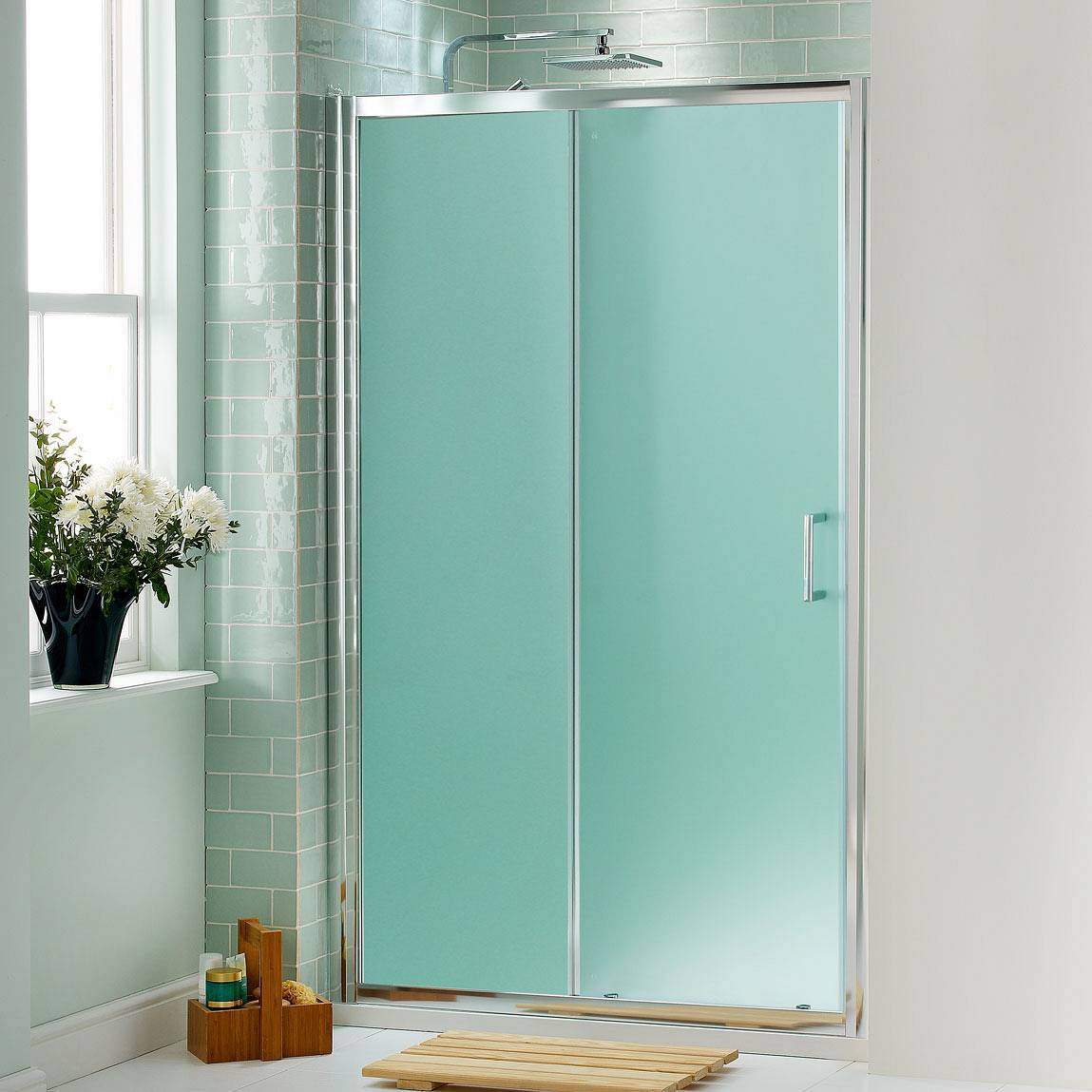 21 creative glass shower doors designs for bathrooms for Bathroom entrance doors