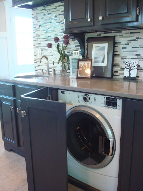 23 creative ways to hide a washing machine in your home - Integrer machine a laver dans salle de bain ...