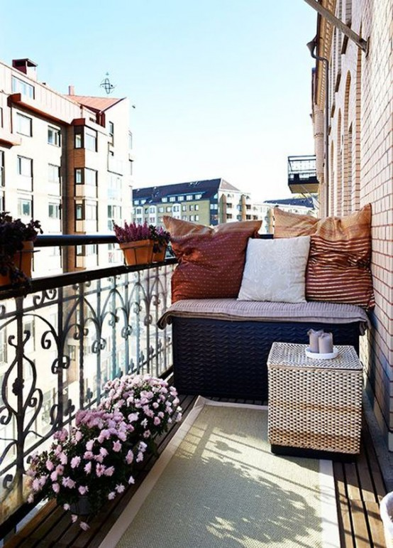 31 creative yet simple summer balcony d cor ideas to try