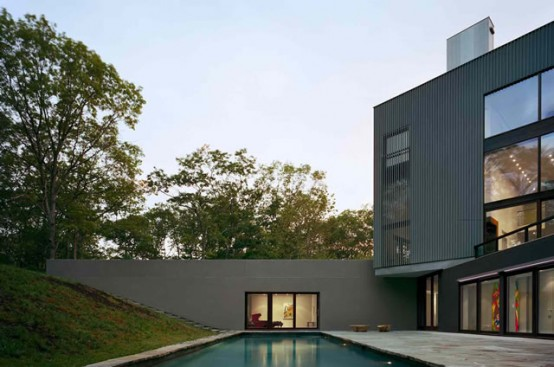 Cube House That Roots Itself To The Landscape and Has Amazing Swimming Pool