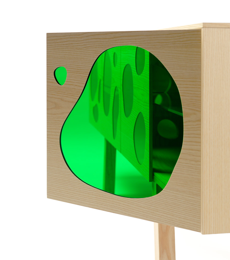 Picture Of cuboid aquario cabinet with colored glass inserts  3