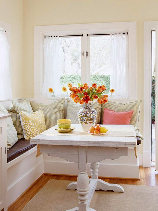 40 cute and cozy breakfast nook d cor ideas digsdigs - Kitchen table nooks ...