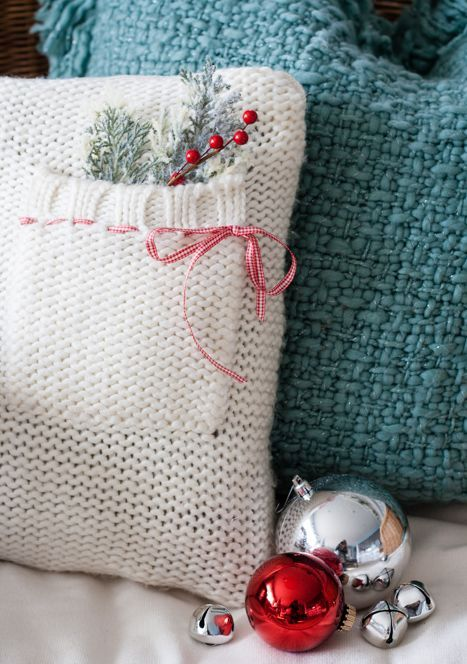 32 Cute And Cozy Knitted Christmas Decorations