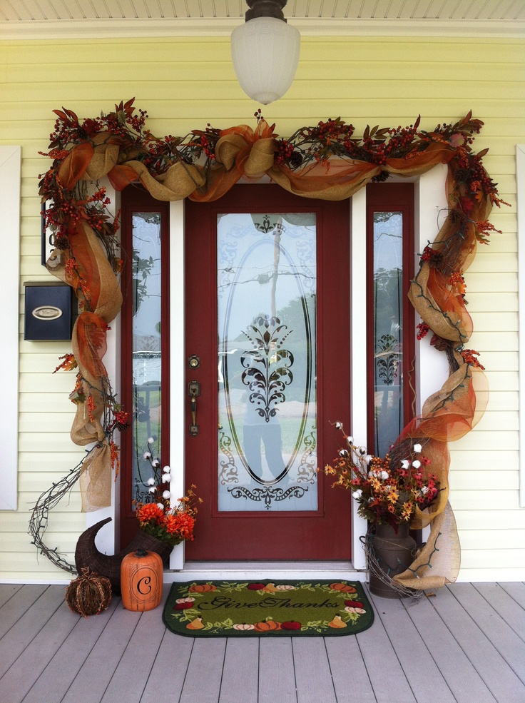 47 cute and inviting fall front door d cor ideas digsdigs - Creative decoration ideas for home without ripping you off ...