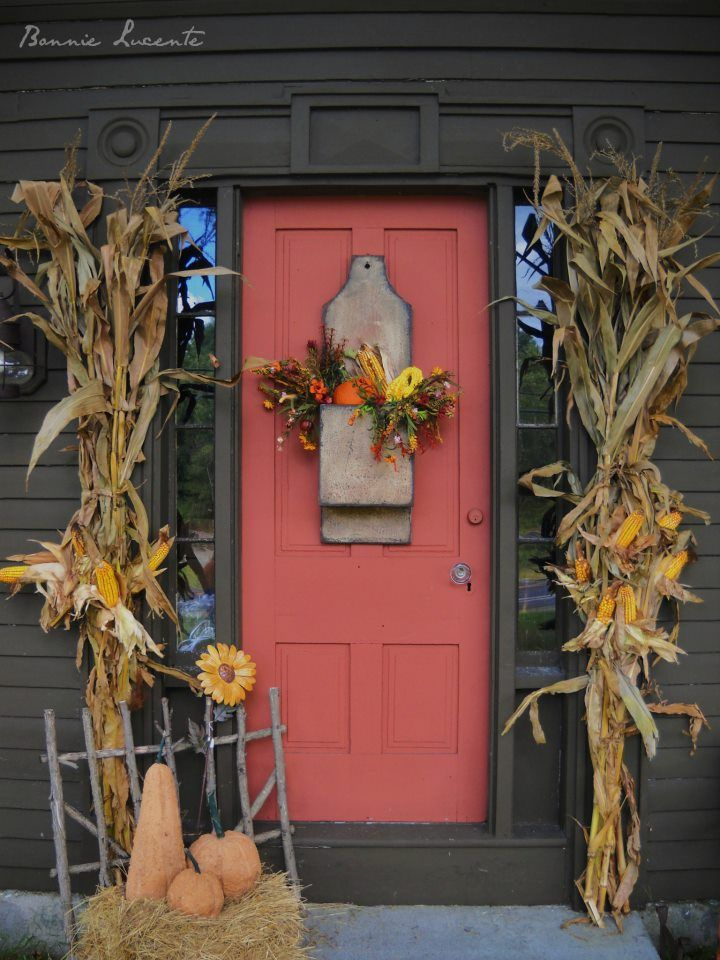 47 Cute And Inviting Fall Front Door Dcor Ideas DigsDigs