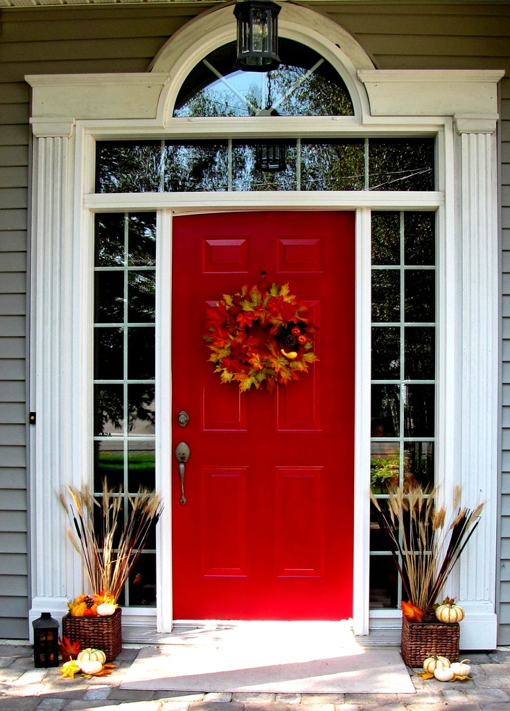 47 cute and inviting fall front door d cor ideas digsdigs for Front window ideas