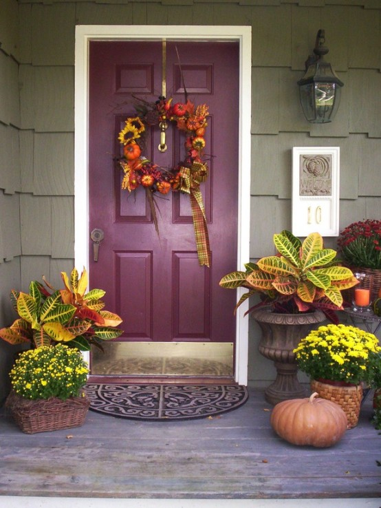 67 cute and inviting fall front door d cor ideas digsdigs for Front door decor