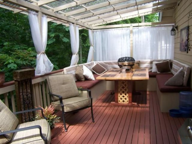 a cool and cozy outdoor dining space design