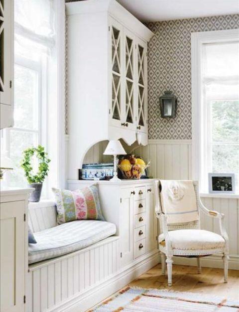 Floral Wallpaper Bathroom Ideas