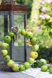 a super natural real green apple wreath with twine is fast to make and will feel like fall at once