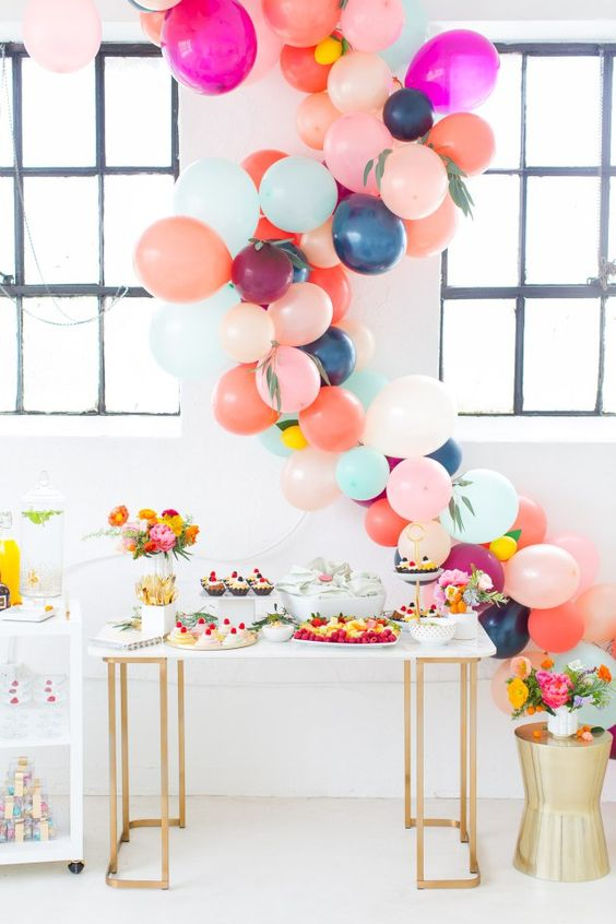 Picture of cute balloon decor ideas for baby showers 19 for Baby shower modern decoration