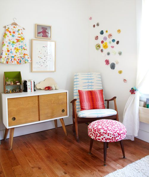 31 cute mid century modern kids rooms d cor ideas digsdigs Vintage childrens room decor
