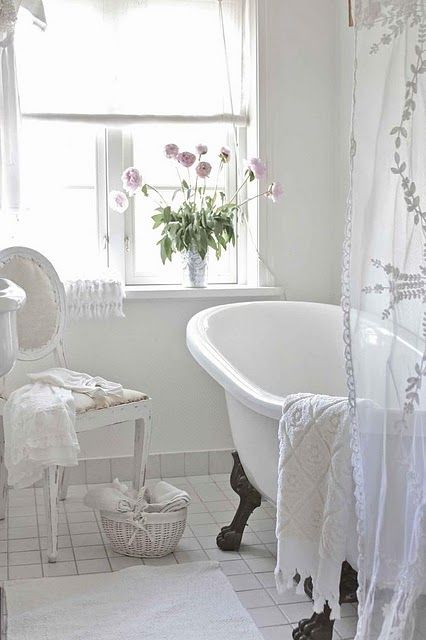 28 lovely and inspiring shabby chic bathroom d cor ideas. Black Bedroom Furniture Sets. Home Design Ideas