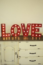 cute-valentines-day-marquee-ideas-for-your-home-16