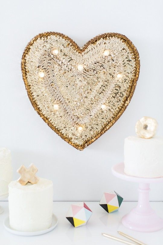 26 Cute Valentine\'s Day Marquee Ideas For Your Home - DigsDigs
