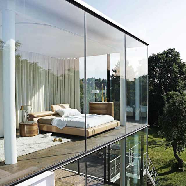 25 daring glass bedroom design ideas