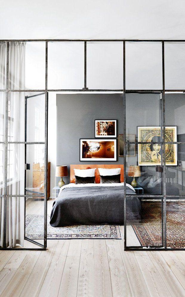 Daring Glass Bedroom Design Ideas