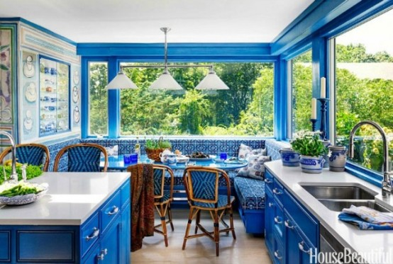 Dazzling Blue Kitchen Design For Those Who Love Vivid Colors
