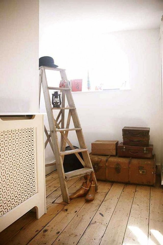 36 Décor Ideas With Ladders: Vintage Charm With Space-Saving Functions