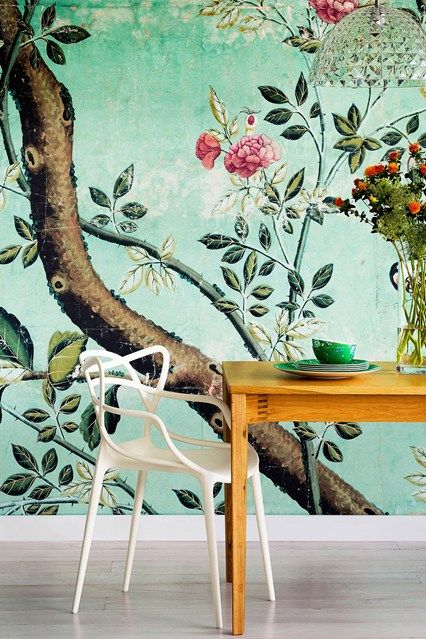Decorating with botanical wallpaper 31 beautiful ideas for Wallpaper for dining room feature wall