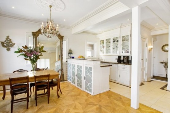 Decorating With Golden Mirrors