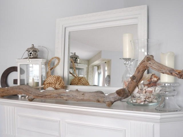 55 delicate and beautiful beach inspired mantels digsdigs for Summer beach house decor