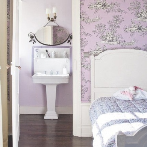 39 delicate home d cor ideas with lavender color digsdigs - Papier peint romantique chambre ...