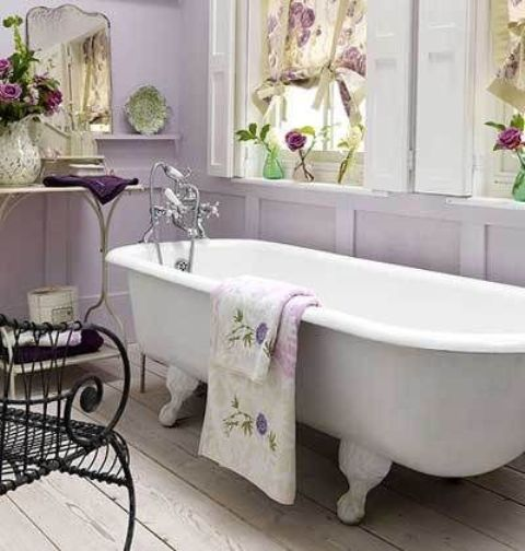 39 delicate home d cor ideas with lavender color digsdigs for Spring bathroom ideas
