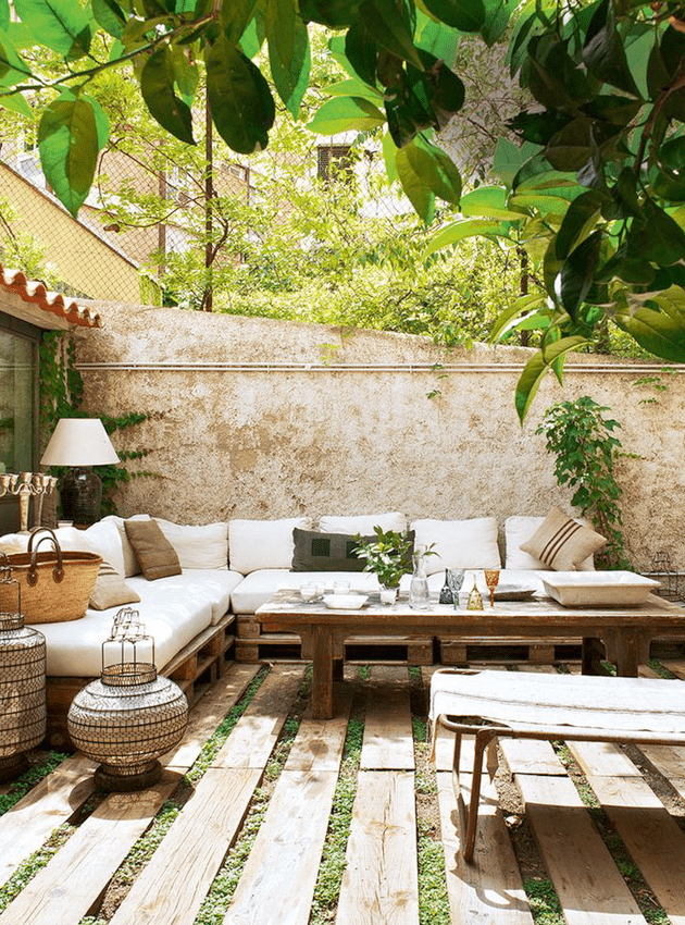 25 Delightful Mediterranean Outdoor Areas