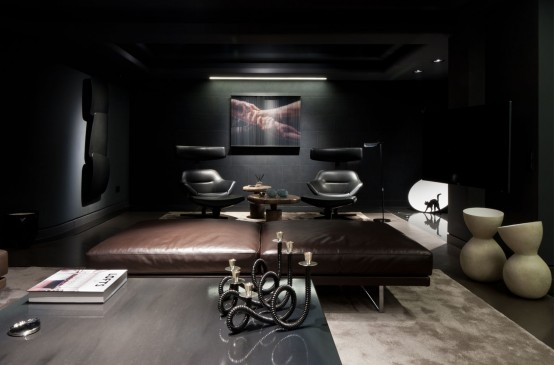 Dramatic And Luxurious Apartment In Dark Colors