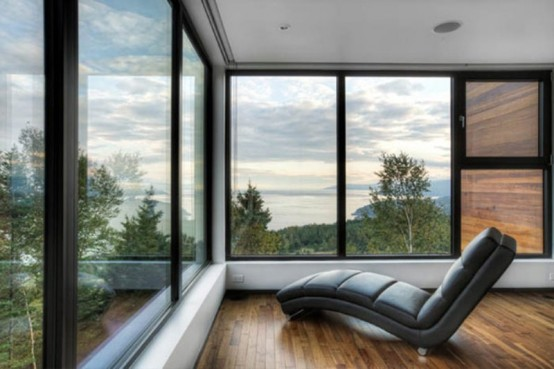 Dramatic Architecture And Interior Of Malbaie V House